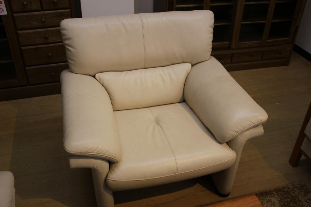 肘掛椅子(オーク材ブラック色)