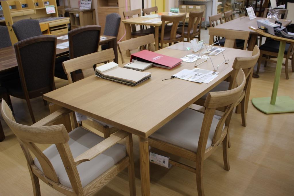 食堂テーブル+椅子(オーク材マルーンナチュラル色)